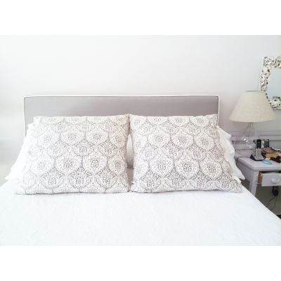 bedding.headboard_pillowsgk-is-674